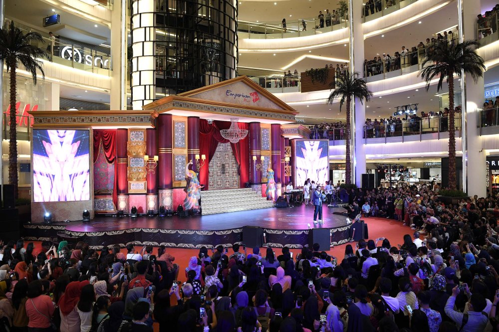 gorgeous 10 years anniversary celebration of emporium pluit mall - sab'tu (8)